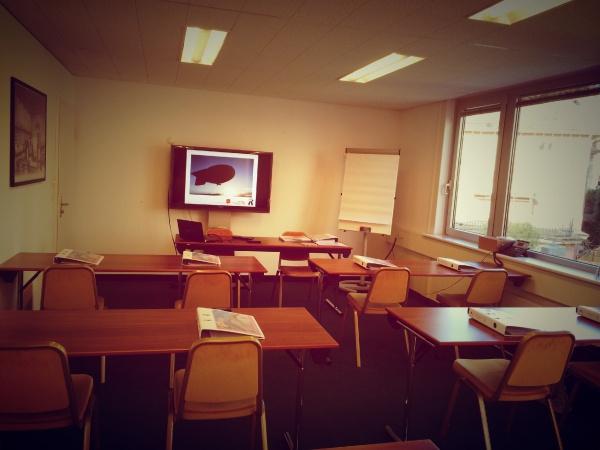 Formation diplome emarketing reseaux sociaux tourisme hotels lausanne digital hotelleriesuisse